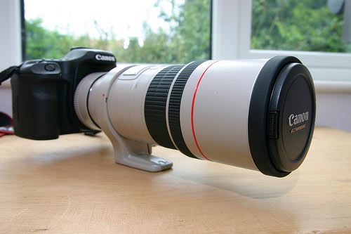 Canon-EF-300mm-f4L-IS-USM-Telephoto-Lens