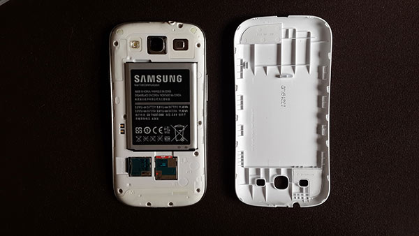 Samsung-Extended-Battery-Kit-for-Galaxy-S3-screen2
